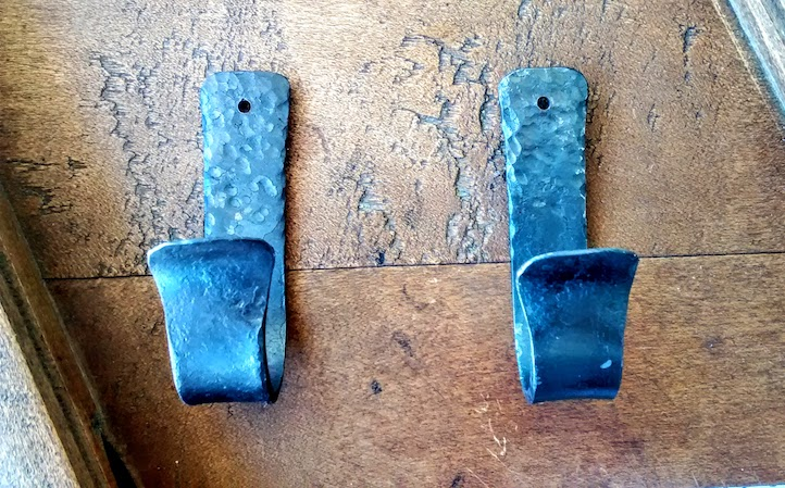 Rustic Gun Racks - Rifle Hooks - Gun Hooks - Brown County Forge
